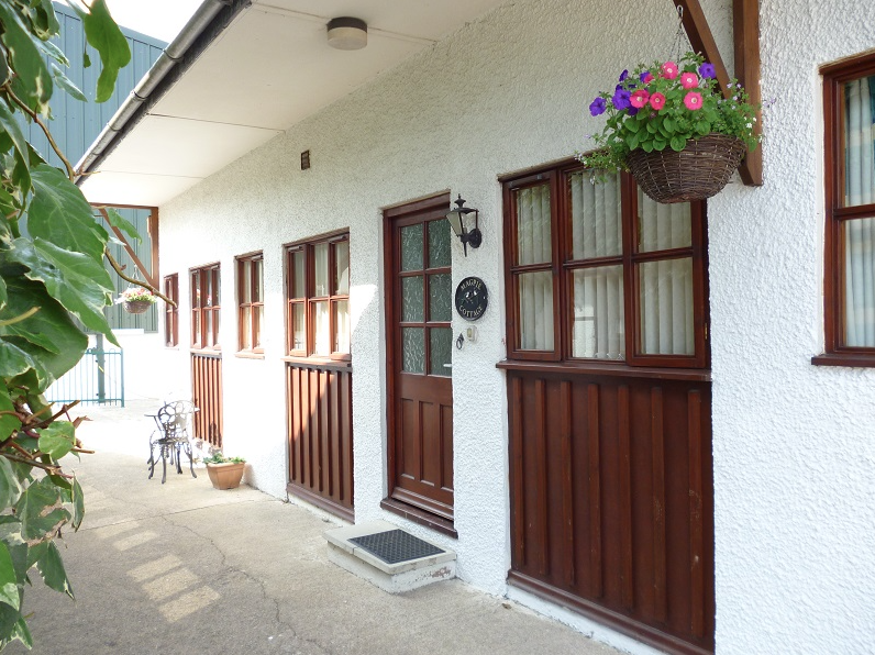 Magpie sleeps 1 bedroom 2+1+2 cots £1100 n/a